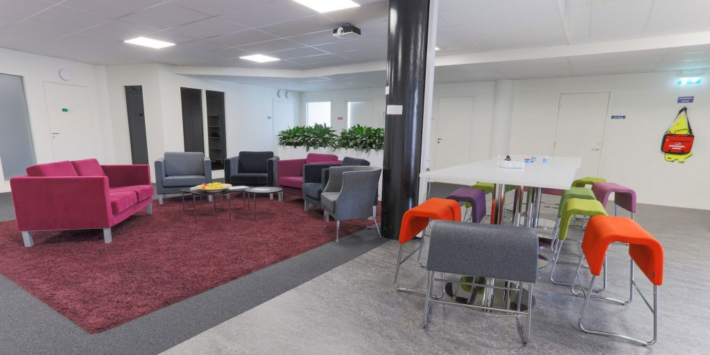 Fräsch kontorslokal med utsikt mot stadsparken på 600 kvm